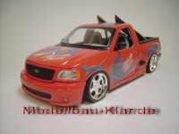 BBurago Ford F150 Surf + 02-6 (umgebautes Modell) rot 1:21 (1:18)