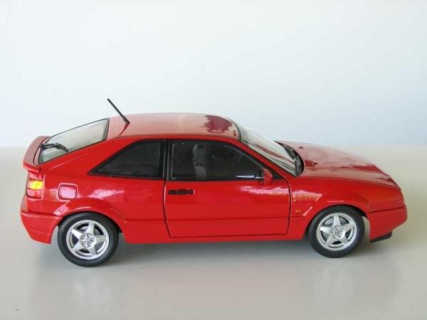 UH Renault 5 Turbo blau 1:18 limitiertes Modell 1//1000
