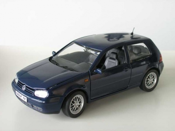 revell vw golf iv gti blau 1 18 limitiert 1 700 ebay. Black Bedroom Furniture Sets. Home Design Ideas